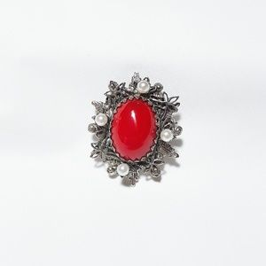 Jewelry - Free 🔸️Vintage Brooch With Red and White Beads
